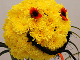 Make someone smile with these portable floral gifts idea for a hospital visit.